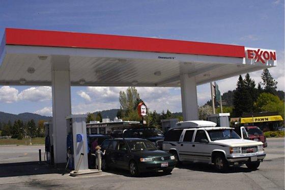 El Ejecutivo presiona a las petroleras