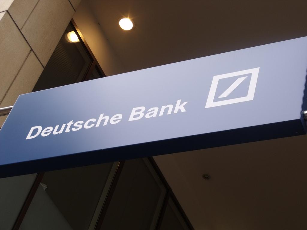 La banca sufre la ampliación de Deutsche Bank
